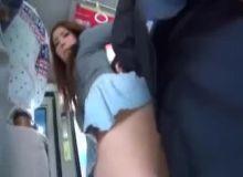 Japonesa bucetudas dando para um rapaz que a come com calcinha