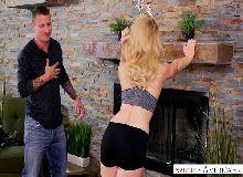 Loira patricinha faz sexo no videoporno
