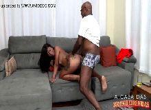 Negra cachorra demais no videos caseiros de sexo dando para o negro