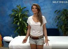 Novinha do sambaporn fica toda pelada para seu massagista que a fode
