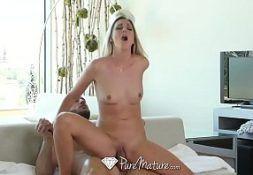 Filmes porno com a loira fodendo