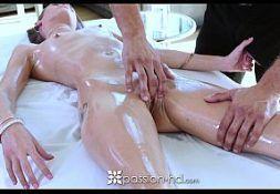 Putaria digital gata fode com seu massagista