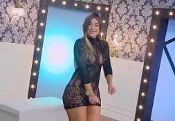 Cameraprive linda mulher ficando nua em programa de tv
