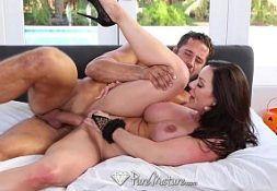 Pornoamador  coroa toda sensacional metendo com o marido