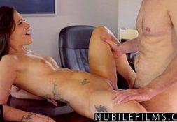 Fazendo sexo gostoso com a secretaria